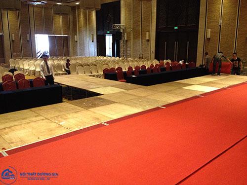 Tại sao nên dùng thảm sân khấu hội trường?