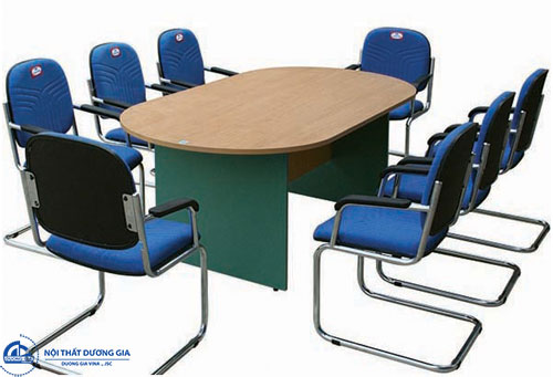 Lựa chọn đơn vị cung cấp bàn họp 6 người uy tín