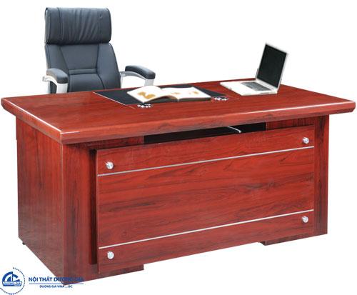 Những ưu điểm của bàn làm việc gỗ công nghiệp