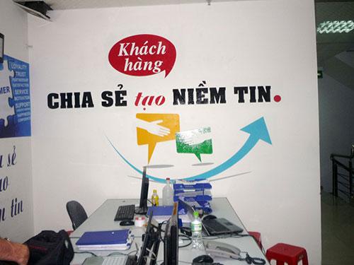 Trang trí phòng làm việc công sở bằng khẩu hiệu, câu nói hay
