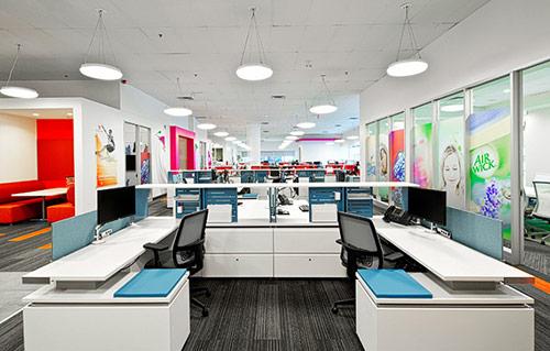 Thiết kế phòng làm việc nhân viên đẹp, hiện đại