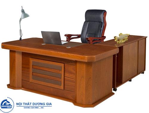 So sánh chi tiết giữa bàn ghế Giám đốc và bàn ghế dành cho nhân viên