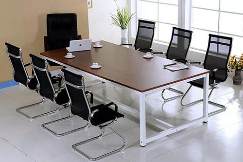 Mua bàn phòng họp cho doanh nghiệp nhỏ cần chú ý tới điều gì?