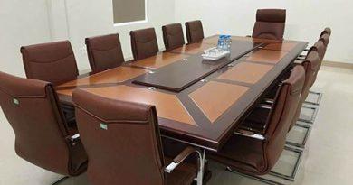 Những ưu điểm, hạn chế khi mua bàn phòng họp cũ mà bạn chưa biết